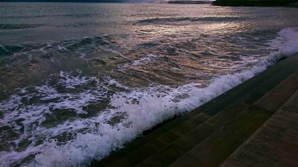 splashing-steps-abbey-sands